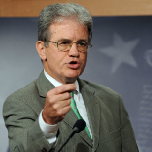 Coburn: Gingrich Lacks Leadership Skills
