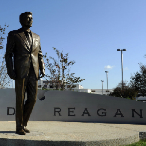 Republican Insider: Gingrich Regularly Criticized Reagan
