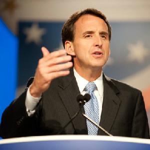 Pawlenty Endorses Romney Campaign