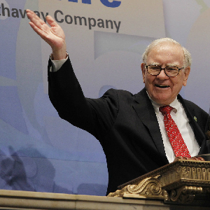 Warren Buffett: Obama Tax Shill